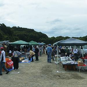 メッセみきフリーマーケット(駐車場)